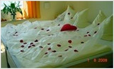 Schlafzimmer deko hochzeitsnacht ~ Ihr Traumhaus Ideen